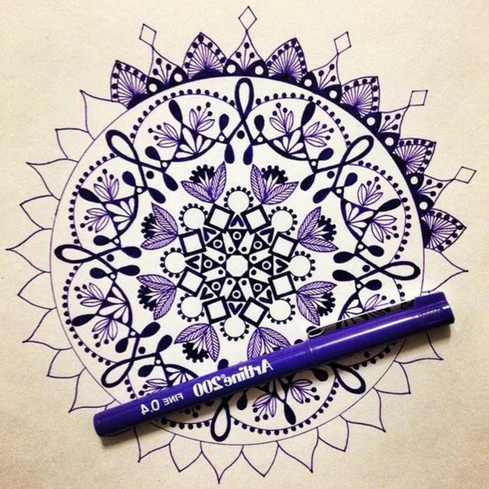 dibujos-de-mandalas-muy-interesante-complicado-violeta-bella-mandala