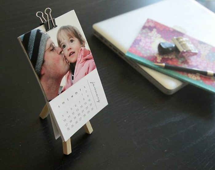 ideas-para-regalar-calendario-hecho-con-fotos-para-la-oficina-idea-creativa
