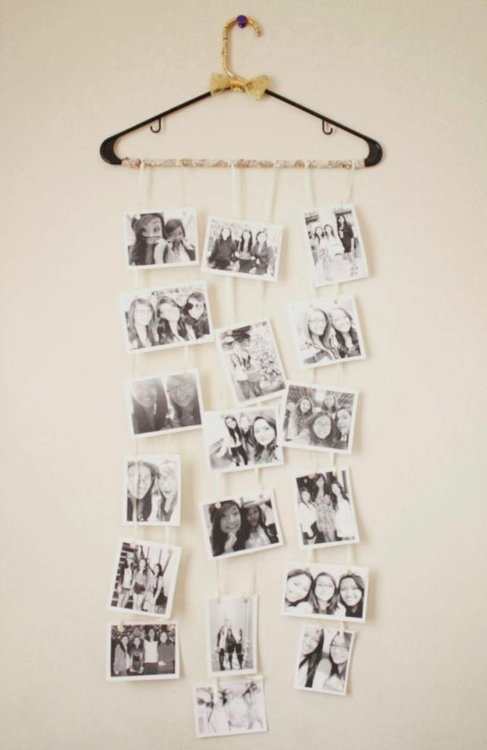 ideas-para-regalar-collaje-de-fotos-blanco-y-negro-colgados-de-una-percha
