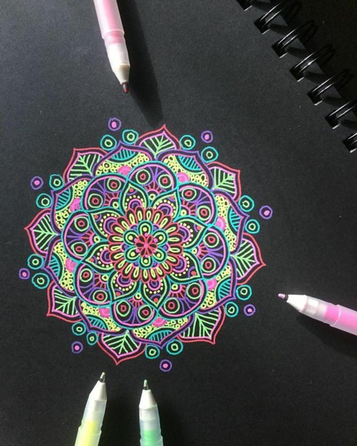 mandalas-para-colorear-fondo-negro-colores-vivos-bonito-cuadro-relajante