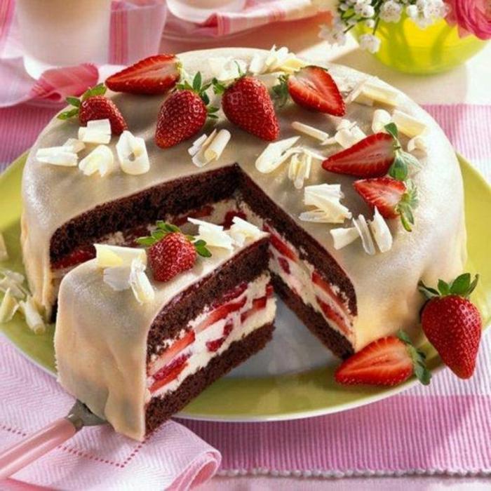 tartas-de-cumpleaños-chocolate-frambuesas-crema-vanilla-chocolate-blanco