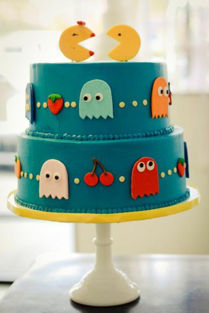 tartas-de-cumpleaños-de-niño-motivos-de-pacman-tarta-azul-con-dos-capas
