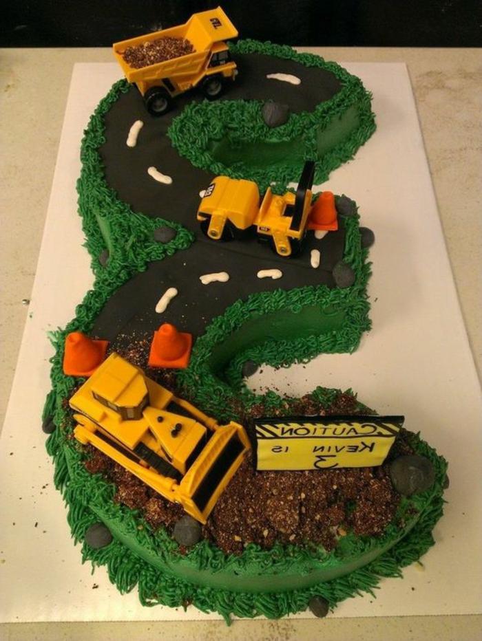 tartas-de-cumpleaños-de-niño-tarta-en-forma-de-cifra-con-tractor