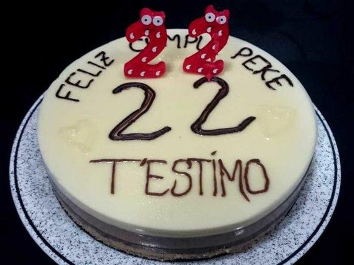 tartas-de-cumpleaños-dibujo-tarta-hecha-en-casa-chocolate-decoración