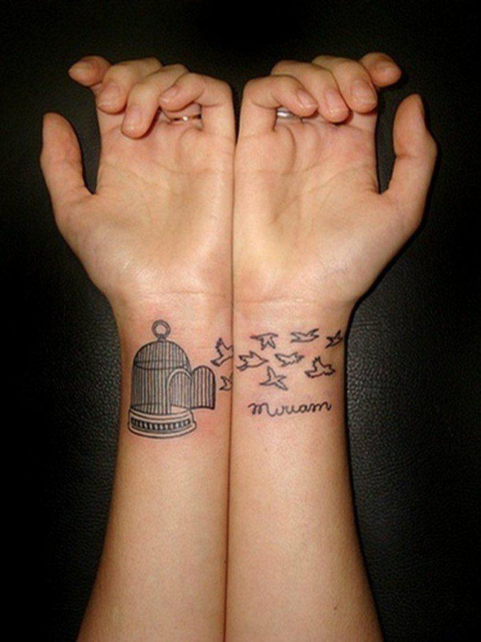 tatuaje-pequeño-mujer-nucas-pajaros-nombre-de-la-persona-especial
