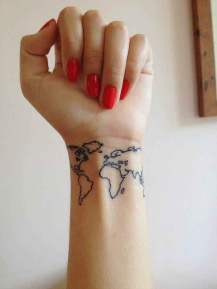tatuajes-pequeños-mujer-en-la-nuca-tatuaje-de-mapa-del-mundo-solo-las-líneas