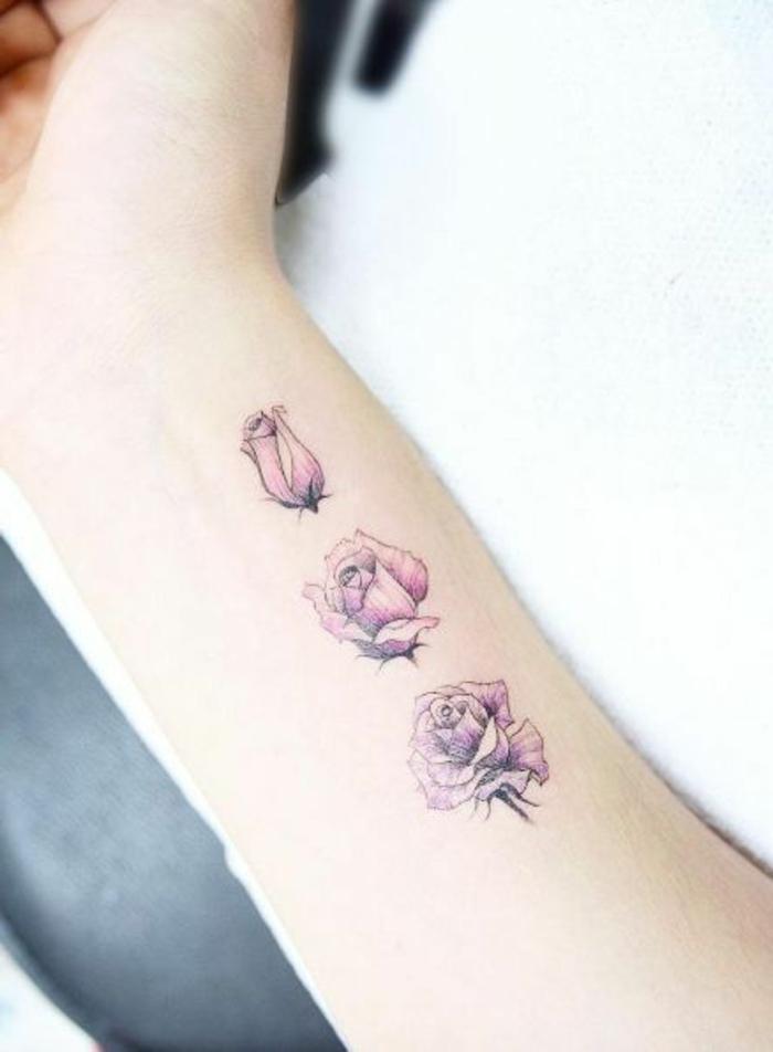 tatuajes-pequeños-y-bonitos-nuca-rosa-color-rosa-tres-rosas-femenino-bonito