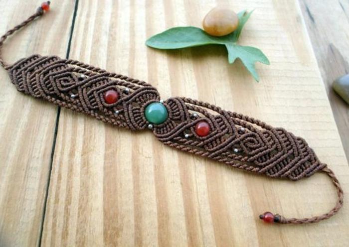 como-hacer-pulseras-de-hilo-preciosa-pulsera-con-piedras-preciosas-diseño-interesante-elegante