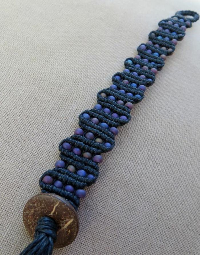como-hacer-pulseras-de-hilo-tonos-azules-hecha-a-mano-perlas-pequeñas-fácil-de-hacer
