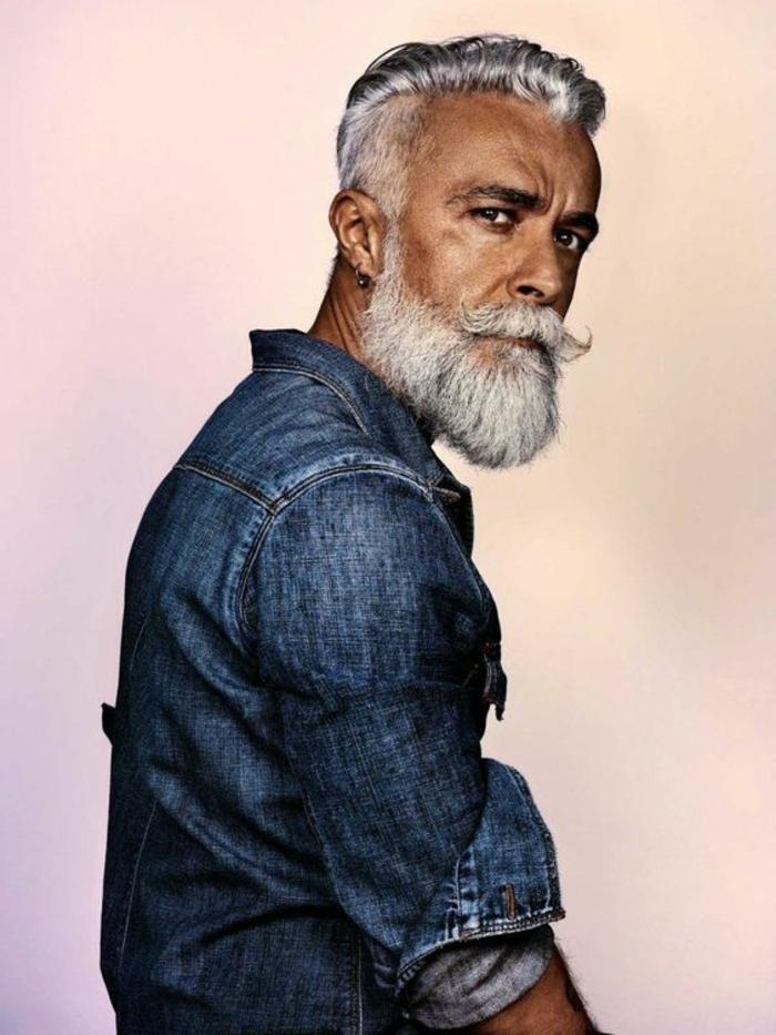 tipos-de-barba-hombre-adulto-camisa-vestido-a-la-moda-barba-blanca