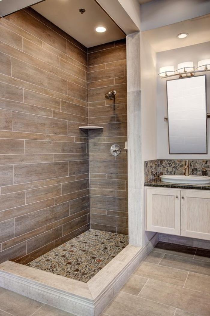 cuartos de baño pequeños, ducha, tonos claros, espejo pequeño, estilo modernista
