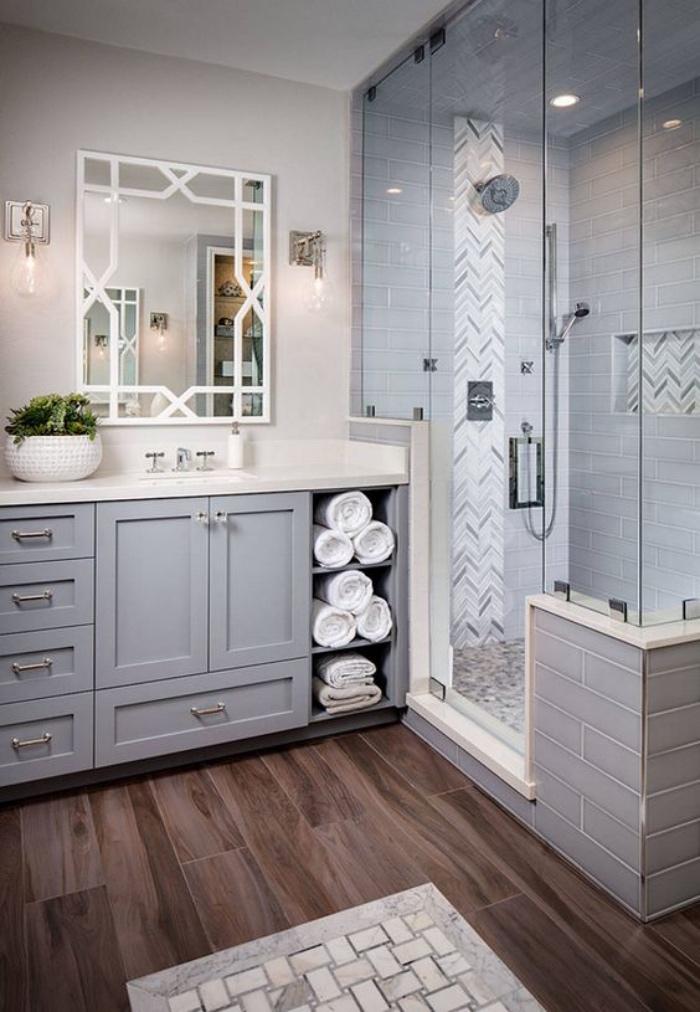 cuartos de baño pequeños, tonos claros, pasteles, azul, blanco, ducha, estilo modernista