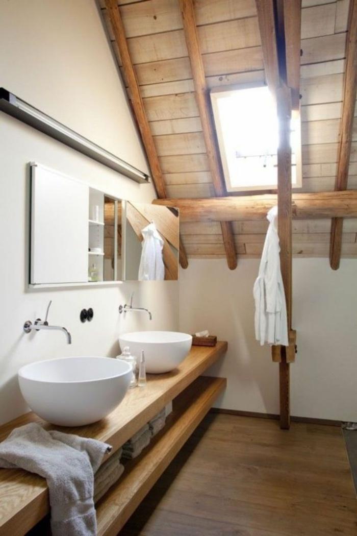 decoración baños, muebles de madera, dos fregaderos, techos de madera, interesante