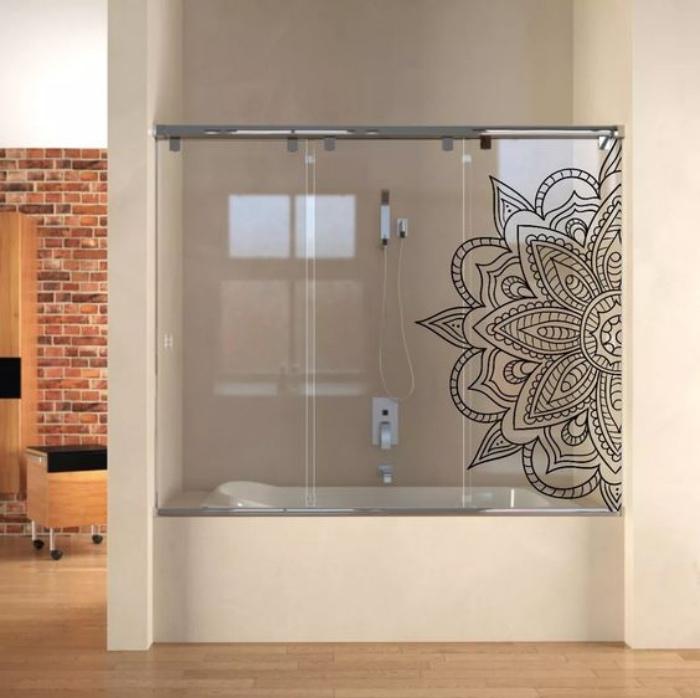 decoración baños, decoración con mandala, ducha con bañera, estilo modernista