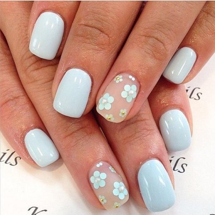 decoración de uñas, uñas bonitas en tono azul claro, dibujos de pequeños flores