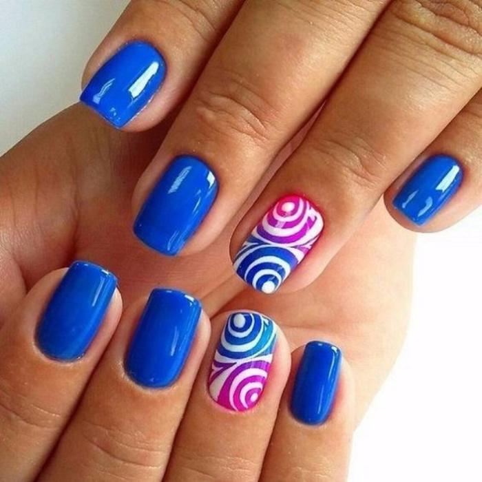 diseños de uñas, tonos azules llamativos, estilo veraniego, diseño interesante, bonito