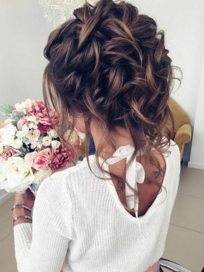 peinados-de-novia-pelo-recogido-trenza-grande-pelo-castaño-tatuajes