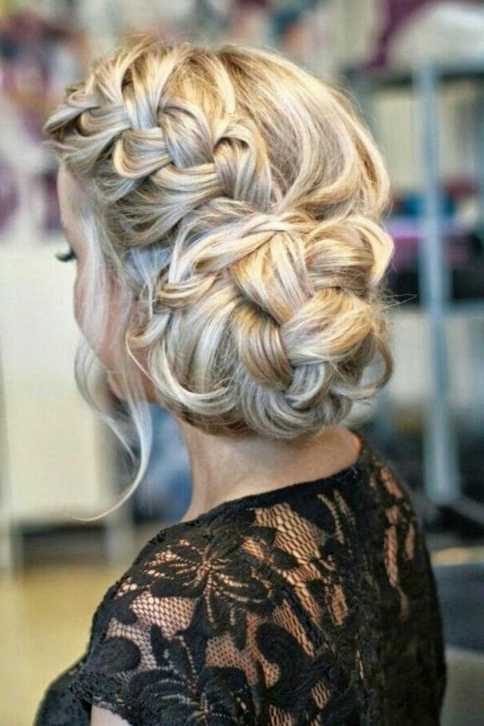 peinados-de-novia-pelo-rubio-trenza-recogido-bonito-mechones-sueltos-novia-hermosa