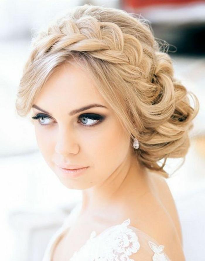 recogidos-bajos-pelo-rubio-trenza-grande-hecha-como-tiara-novia-bonita