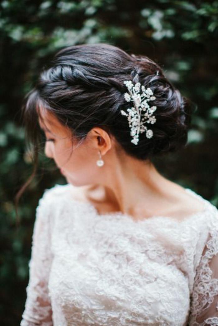 recogidos-pelo-castaño-largo-recogido-en-moño-accesorio-para-pelo.novia-bonita