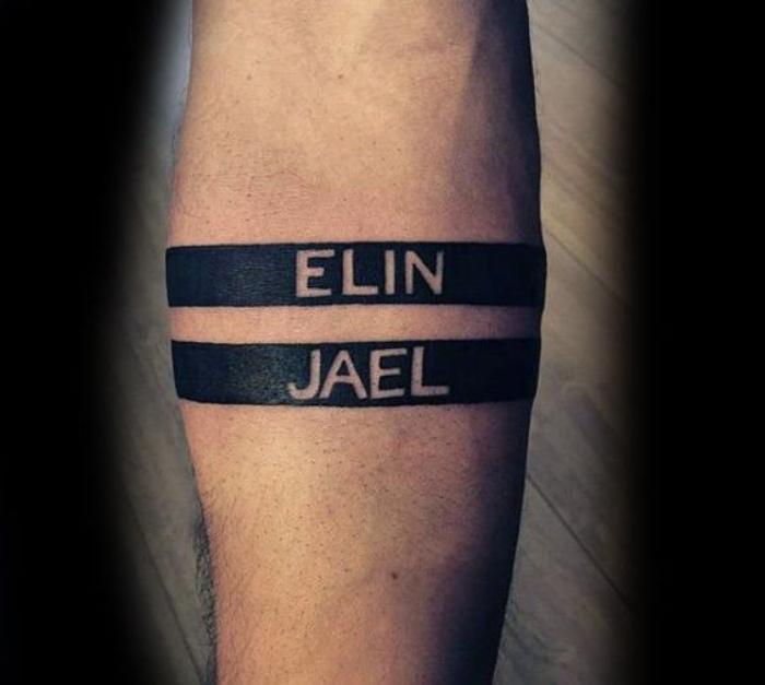 tatuajes de nombres, tatuajes simples, dos nombres significantes, en la mano