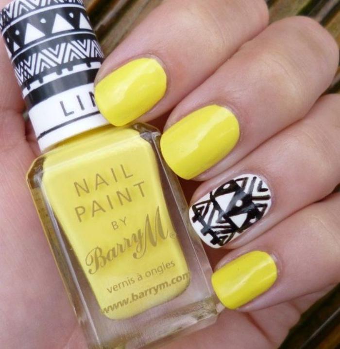 uñas bonitas, color amarillo, dibujo del dedo anular, figuras geométricas, bonitas