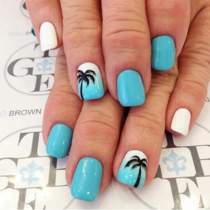uñas pintadas en color azul y blanco, dibujo de palma en el dedo anular, bonito