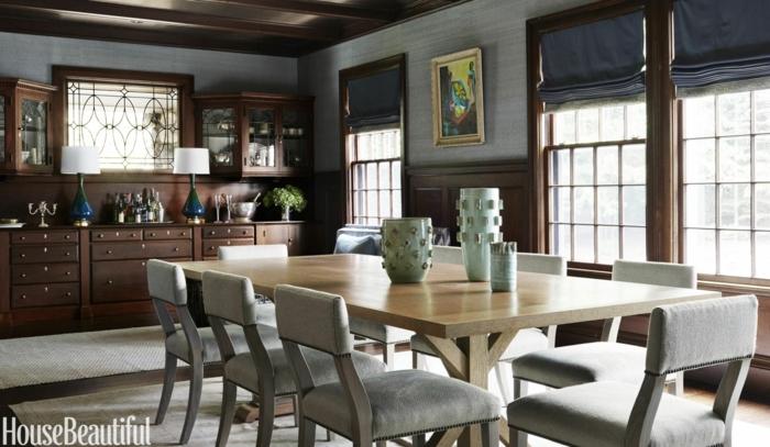 decoracion salon, comedor con mesa rectangular, sillas tapizadas gris, alacenas de madera, alfombra, ventanas