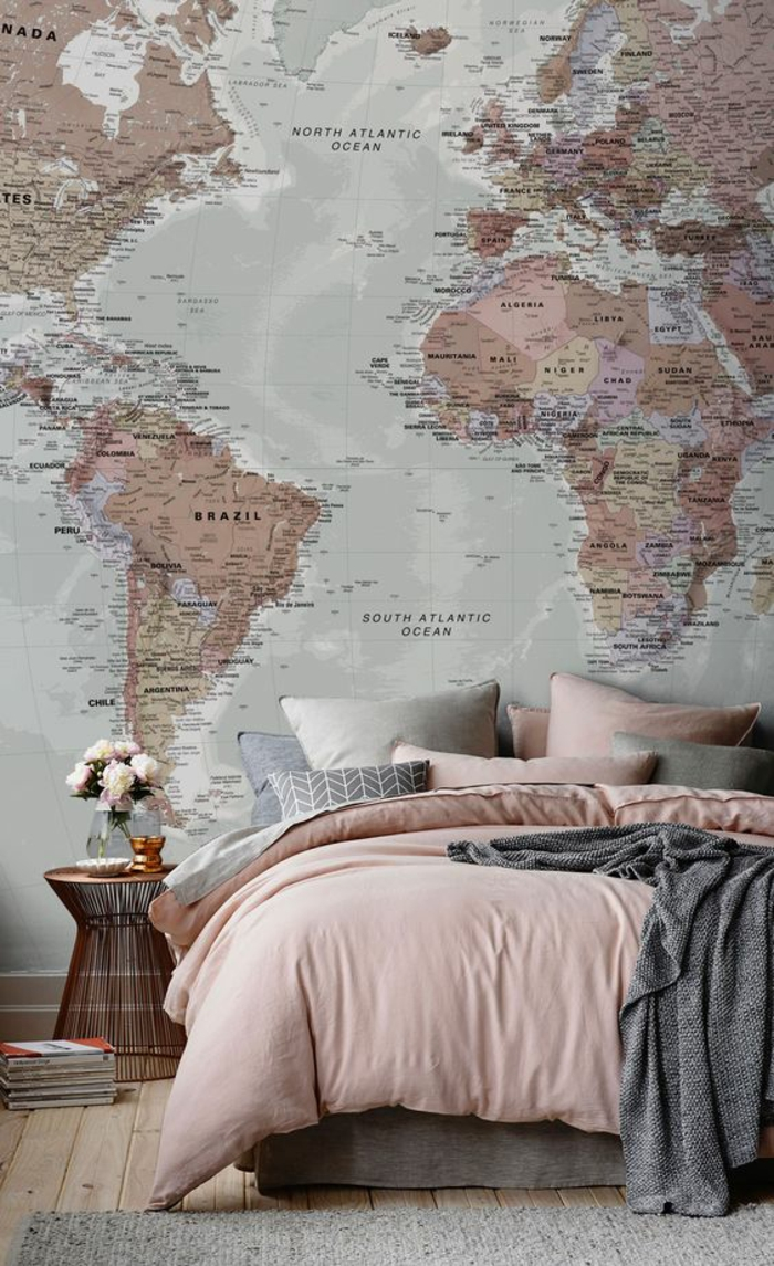 decorar paredes, decoracion de pared de dormitorio con un mapa del mundo