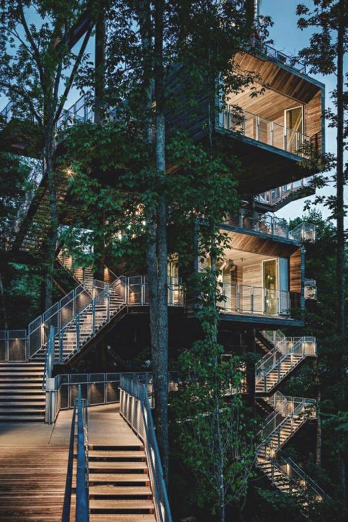 fachadas de casas rusticas, casa entre arboles, escaleras, madera