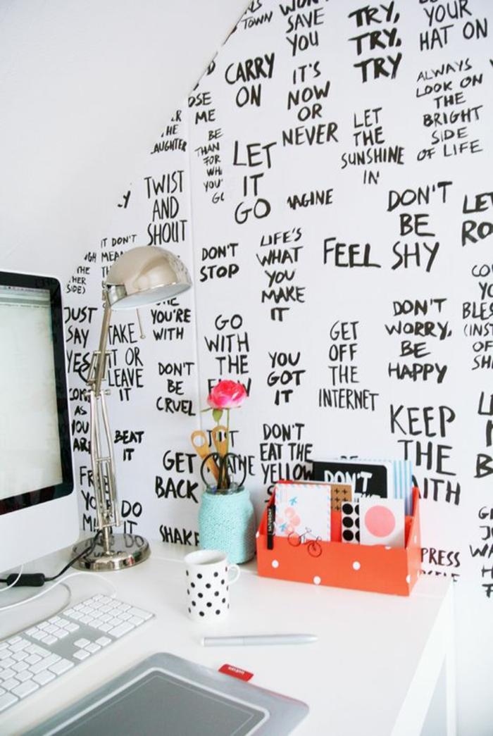 ideas para decorar, decoracion de pared con fraces inspiradoras, negro sobre fondo blanco