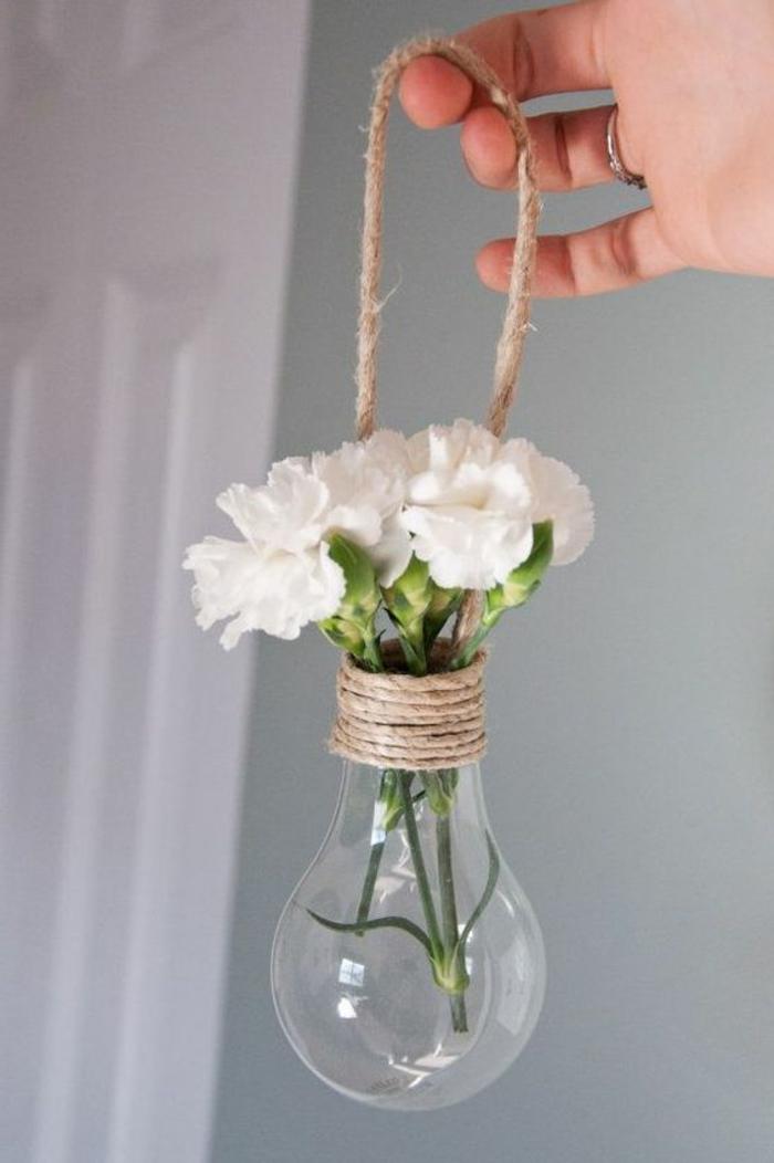 decoracion colgante, florero de bombilla con cuerda, manualidades recicladas