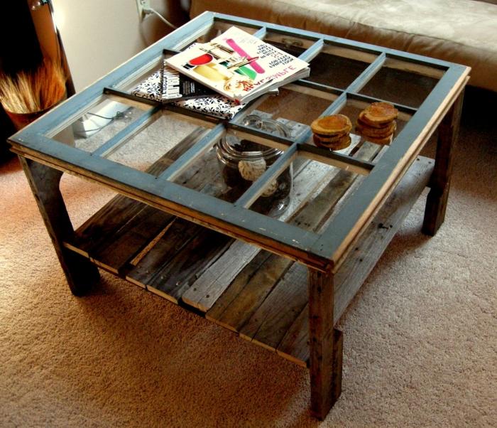 como hacer una mesa con palets, revistas sobre mesa cuadrada de palets y vidrio