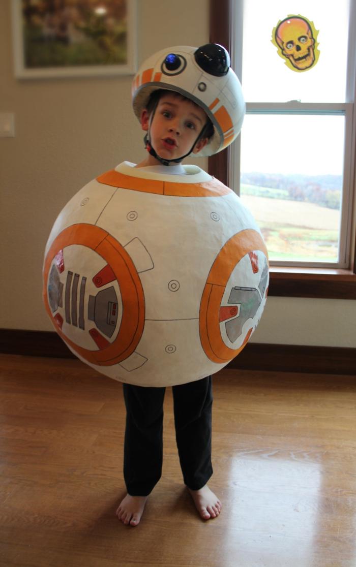 disfraces caseros, disfraz de extraterrestre para niño, blanco y naranja