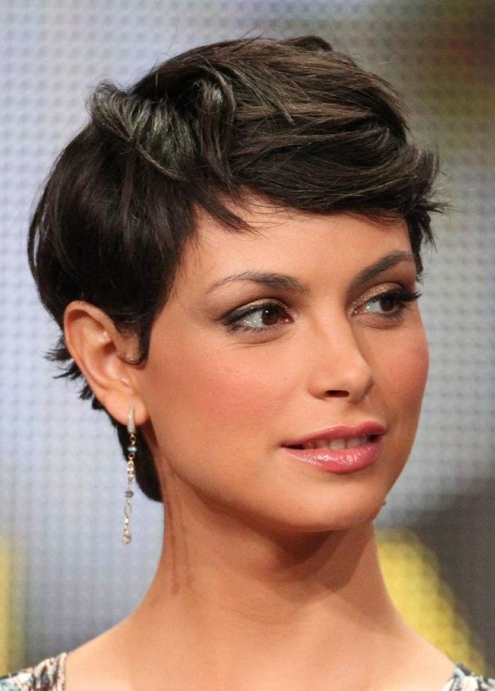 corte de pelo a capas, mujer pelo corto, corte pixie despuntado