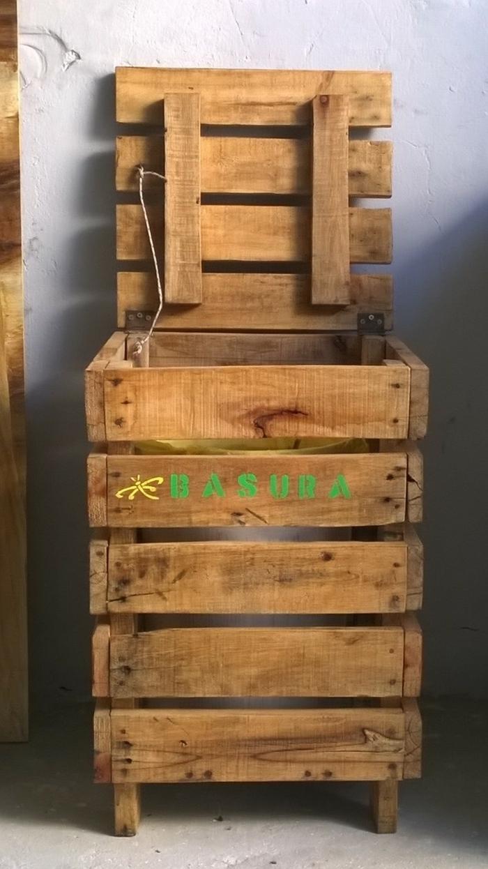 1001 ideas de muebles reciclados para interiores y exteriores for Muebles con cajas de madera