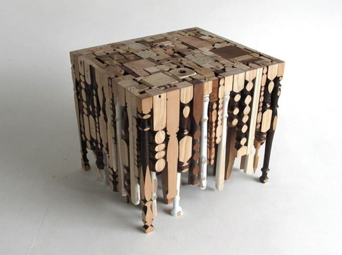 muebles hechos con palets, mesita auxiliar dhecha con patas de diversos muebles de madera