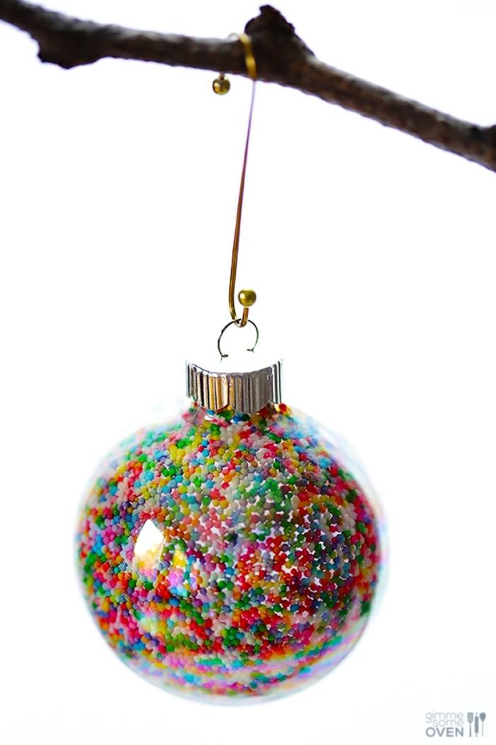 decoración navideña, adorno atractivo, lleno de colores