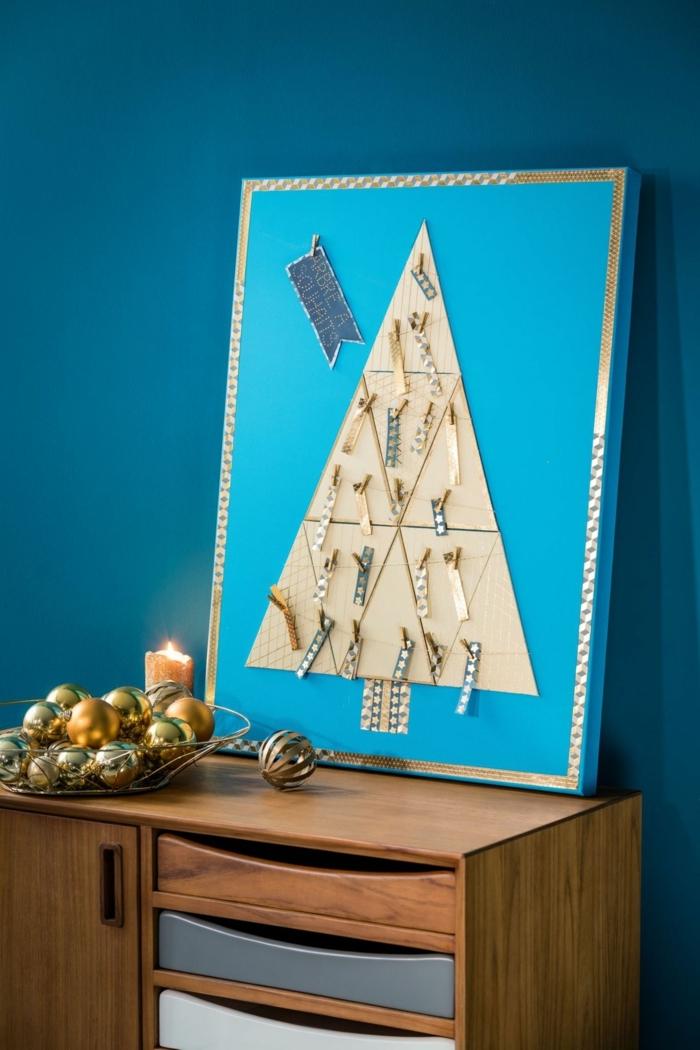 manualidades navidad, paño para la pared, arból navideño en azul celeste