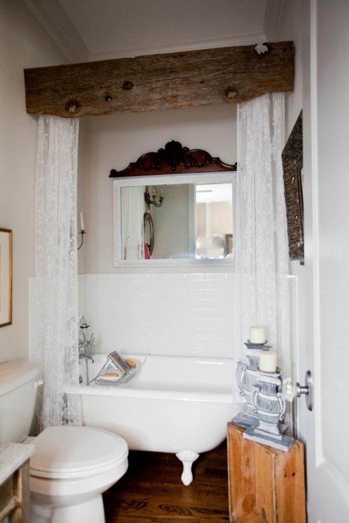 decoracion baños, estilo vintage, cortinas de estilo blancas, materiales de madera