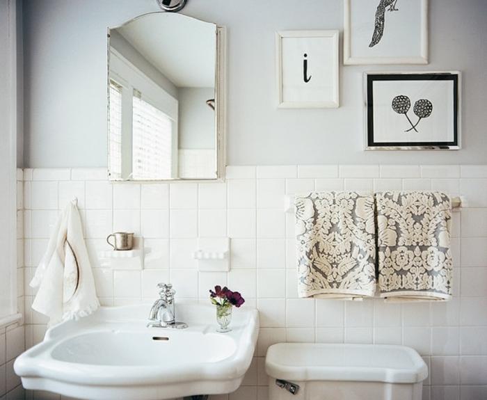 como decorar un baño, cuadros modernos, combinación blanco y gris