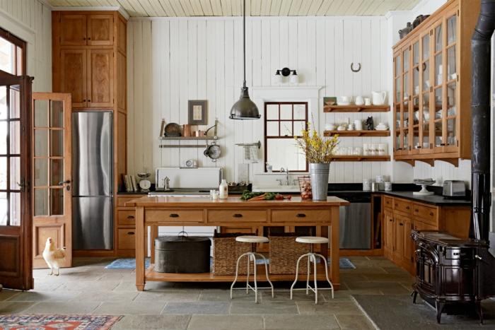 decoracion rustica, cocina rústica con isla de madera, paredes en madera blanca