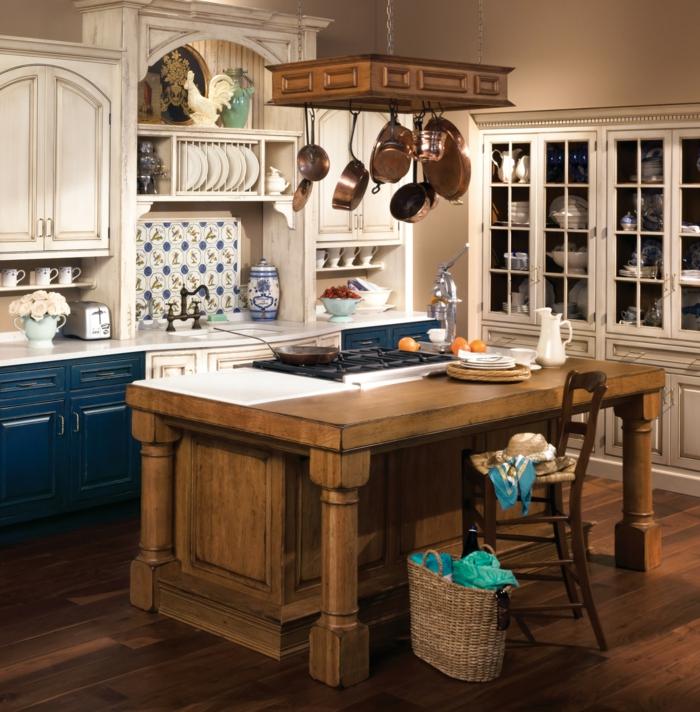 cocinas de obra, cocina rústica con isla de madera, decoración con sartenes colgantes y azulejos