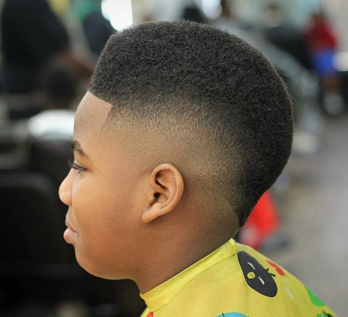 peinados pelo corto hombre, cabello tipo afro, corte de pelo degradado, cortes modernos para niños