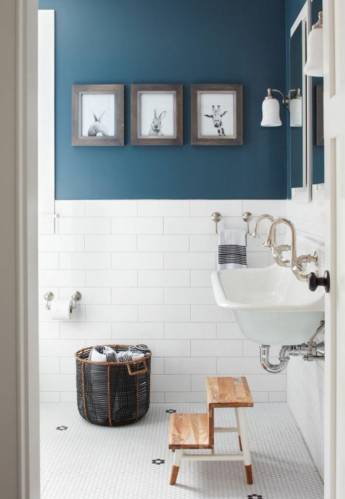 cuartos de baño modernos, color blanco y azul, baño para niños
