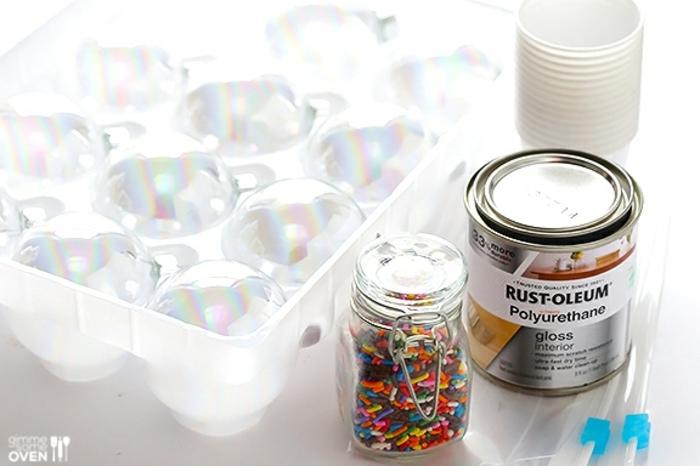 manualidades navideños, materiales nescesarios, preparar esferas decorativas