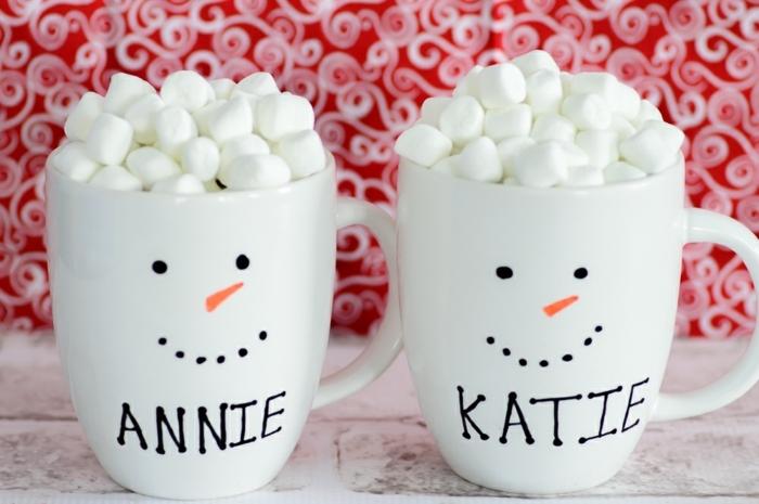 manualidades navideñas, tazas de cafe, disfrazados como monigotes de nieve