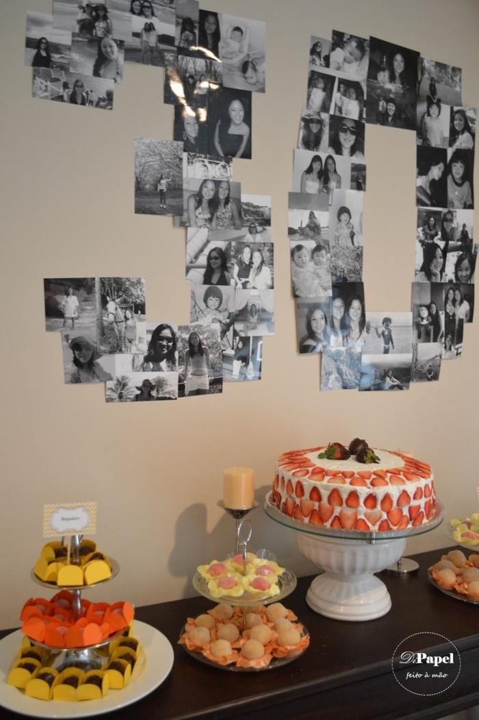 ideas para cumpleaños, decoracion con fotos en blanco y negro, dulces y pastel con fresas