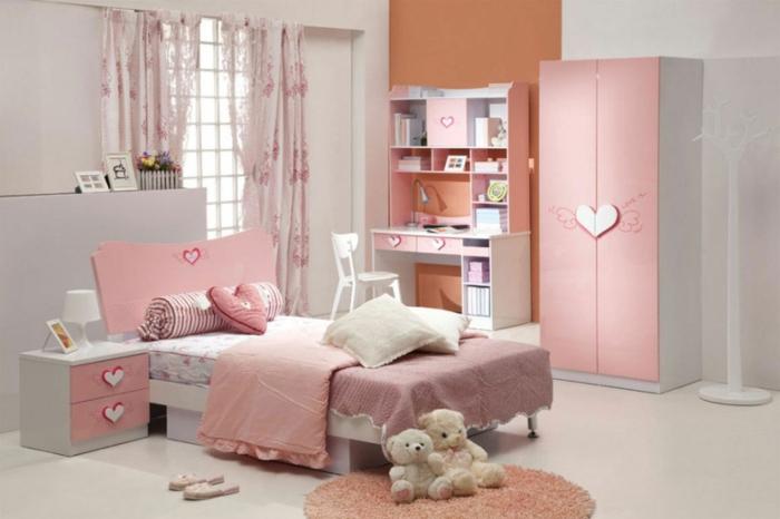 habitaciones juveniles, habitación en rosado con escritorio, armario y cama, peluches y corazones