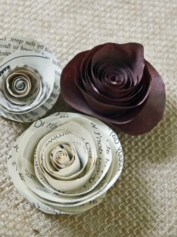 papel pinocho, rosas de papel imprimido y papel pinocho marrón
